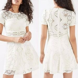 NWT Topshop cream Lace  sleeve dress sz 6